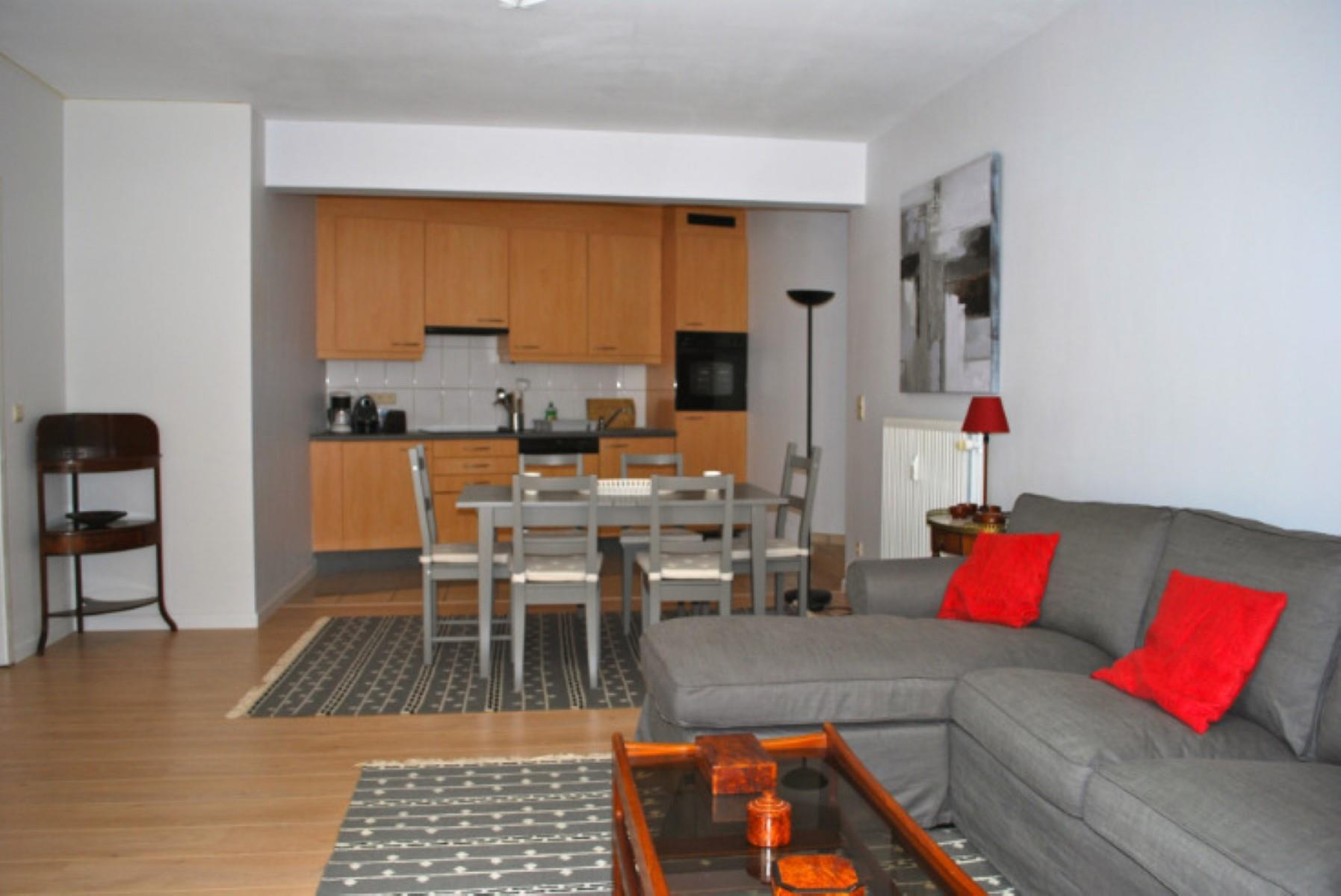 Appartement - Etterbeek - #4496097-1
