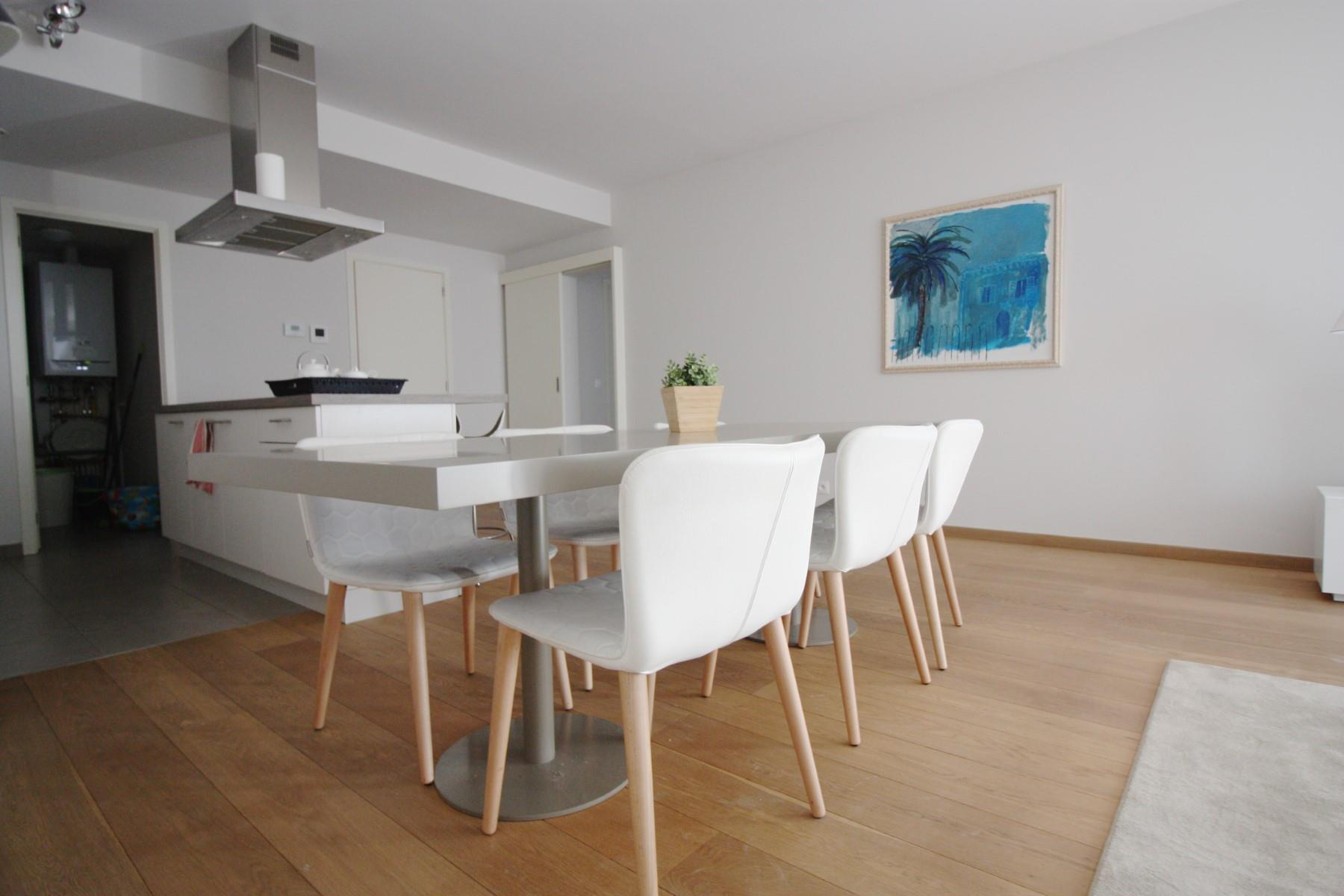 Flat - Etterbeek - #4527457-8