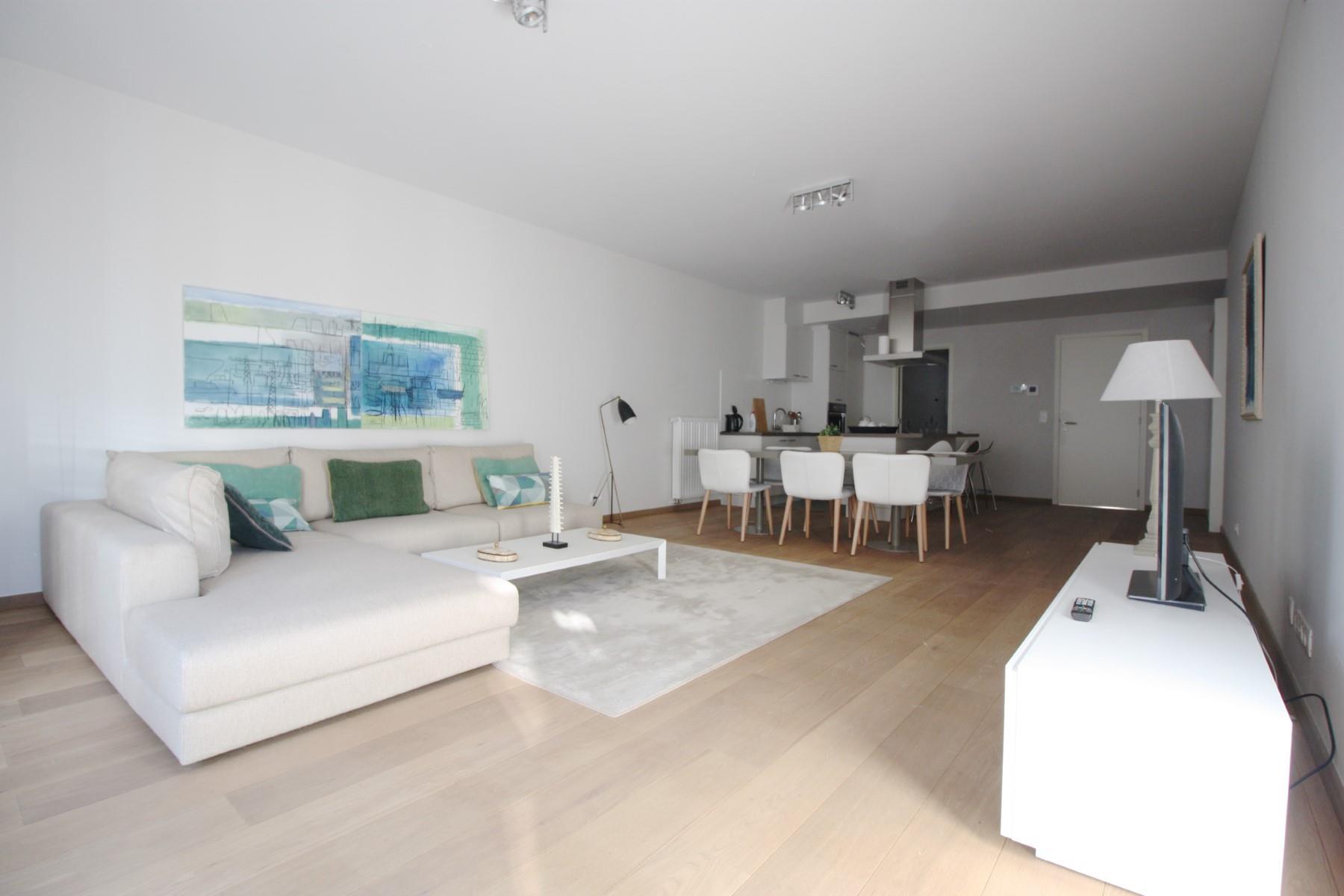 Flat - Etterbeek - #4527457-1