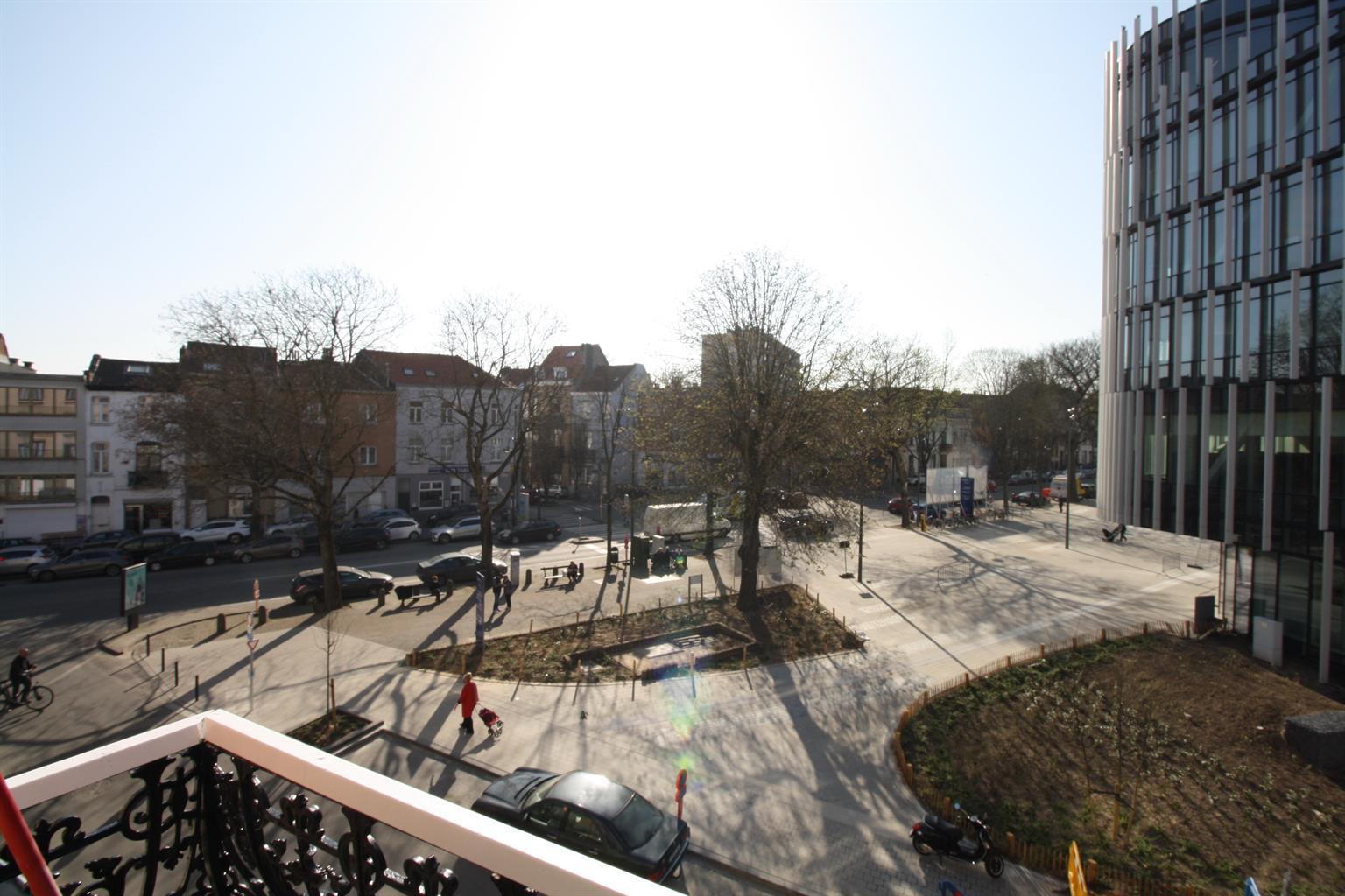 Appartement - Etterbeek - #3581834-44